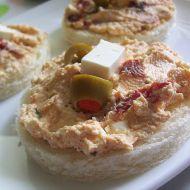 Balkánská pomazánka se sušenými rajčaty recept