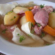 Uzené kolínko v polévce se zeleninou recept