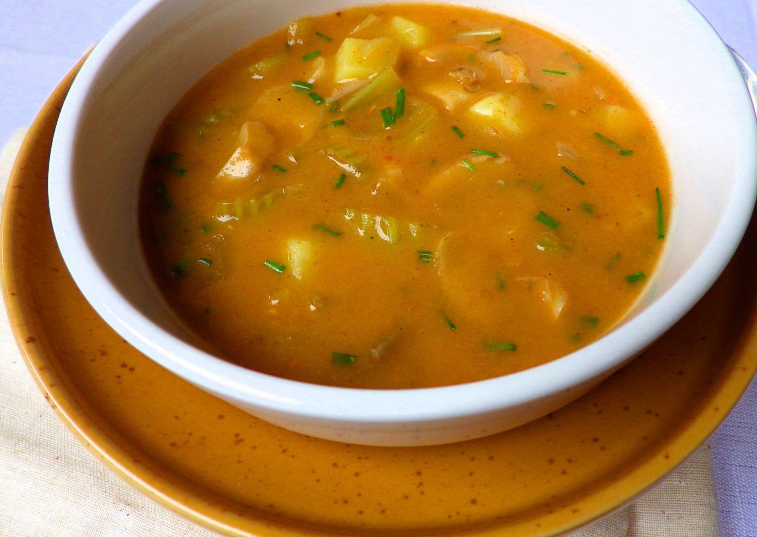 Bramborová polévka s hlívou a řapíkatým celerem recept ...