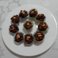 Ořechové hrudky s kandovaným ovocem recept