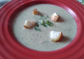 Žampionová polévka s krutonky recept