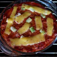 Zapečené těstoviny s pikantní tvarohovou omáčkou recept