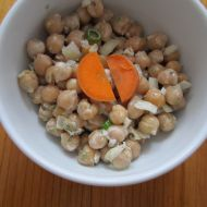 Cizrnový salát s tarragonem recept