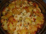 Brambory pečené s bylinkami, cibulí a směsí sýrů recept ...