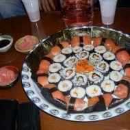 Maki, nigiri a obrácené sushi recept