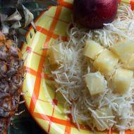 Celerový salát s ananasem recept