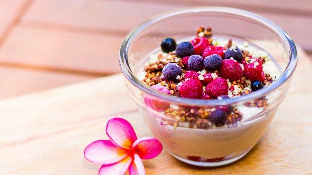 Raw vanilkový jogurt s ovocem