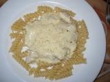 Těstoviny s kuřecím masem a sýrovou omáčkou recept ...
