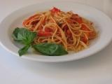 Špagety s pečenou paprikou, rajčaty a fenyklem recept ...