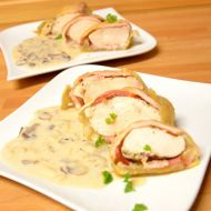Kuřecí maso v listovém těstě s žampionovým veloute recept