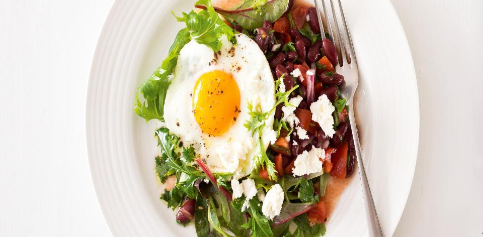 Rančerský salát s fazolovou salsou