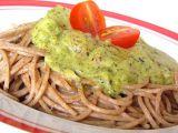 Grahamové špagety s brokolicovou omáčkou a cherry rajčaty recept ...