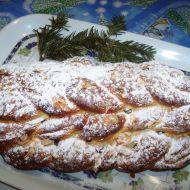 Mandlovo-rozinková vánočka recept