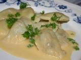 Těstovinové taštičky s rybí náplní a holandskou omáčkou recept ...