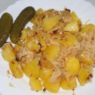 Zapečené brambory se zelím a špekem recept