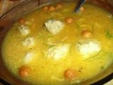 Zeleninová polévka z vepřové kosti s masovými kuličkami recept ...