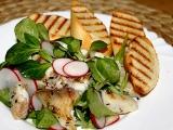 Salát s grilovanou tilapií a ředkvičkami recept