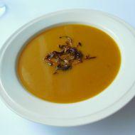 Dýňová polévka s osmaženou cibulkou recept
