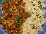 Zeleninová směs se salámem recept