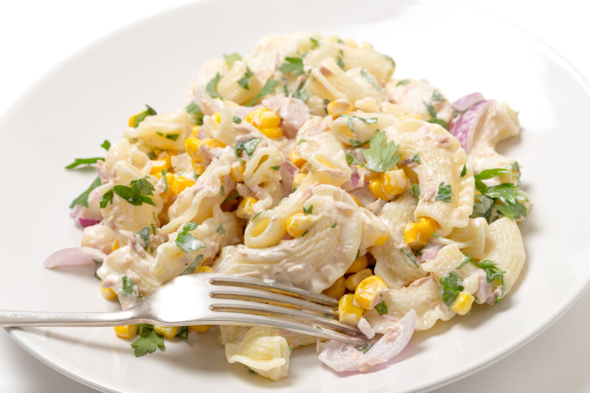 Těstovinový salát s tuňákem recept
