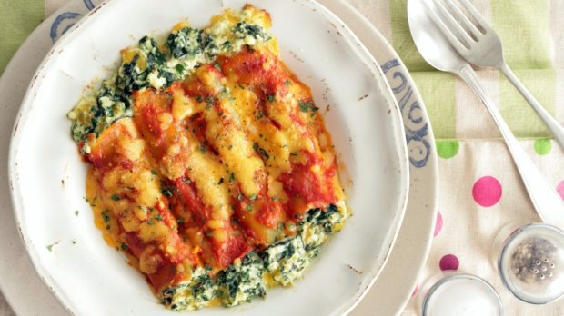 Krémové špenátové cannelloni v rajčatové omáčce