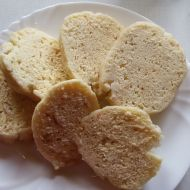 Houskový knedlík bez droždí recept