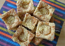Meruňkový koláč z pomazánkového másla recept