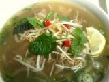 Hovězí polévka skoro lepší jako od babičky- Phở Tai recept ...