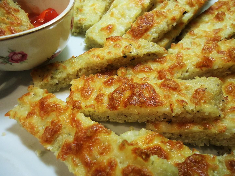 Řezy z quinoy  základ pro bezlepkovou pizzu recept