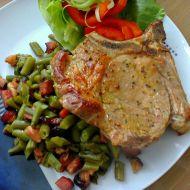 Fazolové lusky na slanině s krkovicí recept