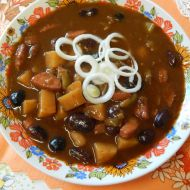 Ostrý fazolový guláš recept