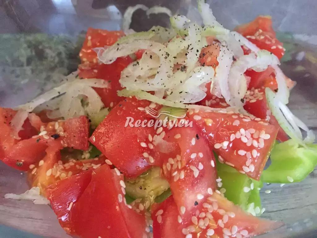 Vitamínový zeleninový salát recept  saláty