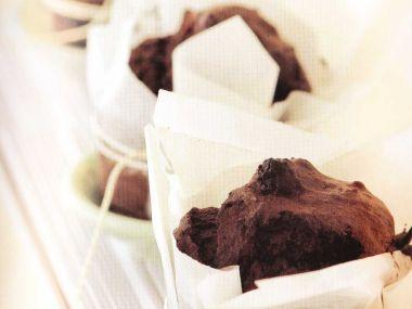 Čokoládové mufiny s rumem a hrozinkami