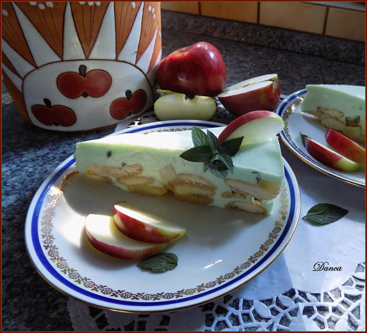 Piškotový nepečený dortík s jablky a mátou recept