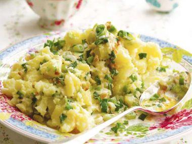 Recept Štouchané brambory s jarní cibulkou