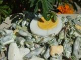 Salát z fazolek, šruchy a vajec recept