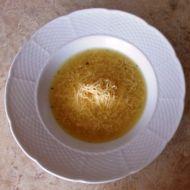 Cibulová polévka se strouhaným sýrem recept