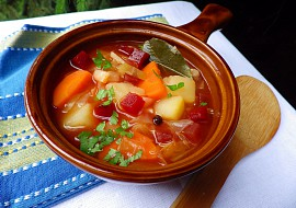 Zeleninová polévka na způsob boršče recept