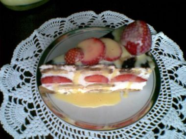 Nepečený, ovocný, smetanový dortík