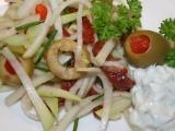 Salát z mladých kedluben s nivovou zálivkou recept