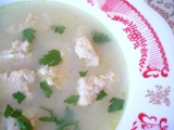 Cibulová polévka s drožďovými nočky recept