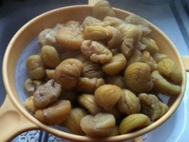 Jedlé kaštany, vařené