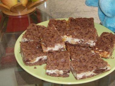 Strouhaný tvarohový koláč kakaový