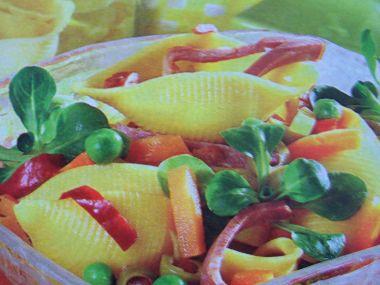 Těstovinový salát s uzeným jazykem