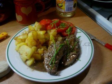 kančí maso s bramborem nebo rýží