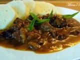 Vepřové kostky s houbovou vůní,česnekem a paprikou recept ...