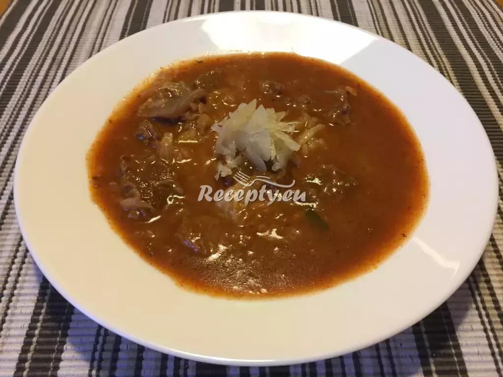 Segedínský guláš recept  vepřové maso