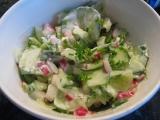 Salát z okurek a ředkviček recept