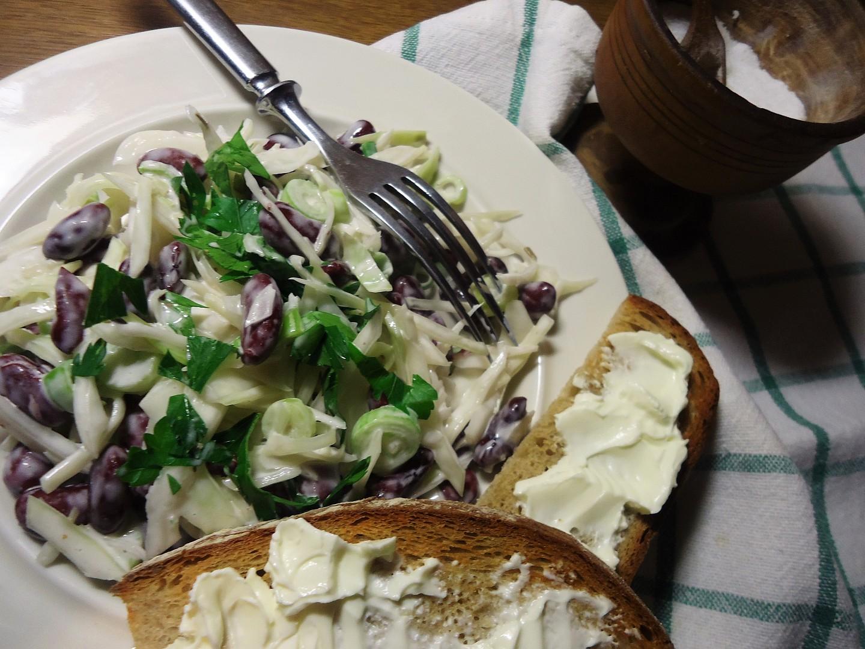 Zelný salát s fazolemi recept