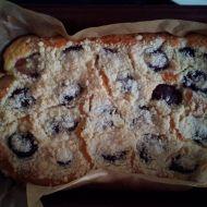 Hrnkový švestkový koláč s drobenkou recept